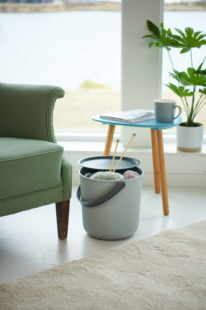Akita storage bucket 53L can be used for storage or as a coffee table.