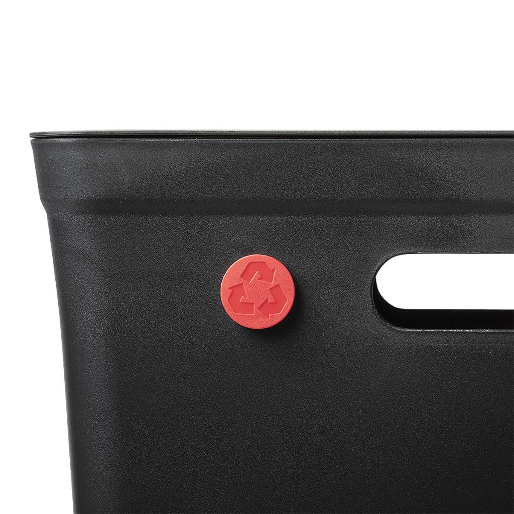 Avedøre waste management system rubbish bin equipped with a color dot to mark type of waste in the bin.