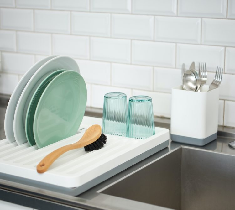 Cleaning products that vary a lot, anything from sinkware like presented Montreal series and buckets to garbage bins.