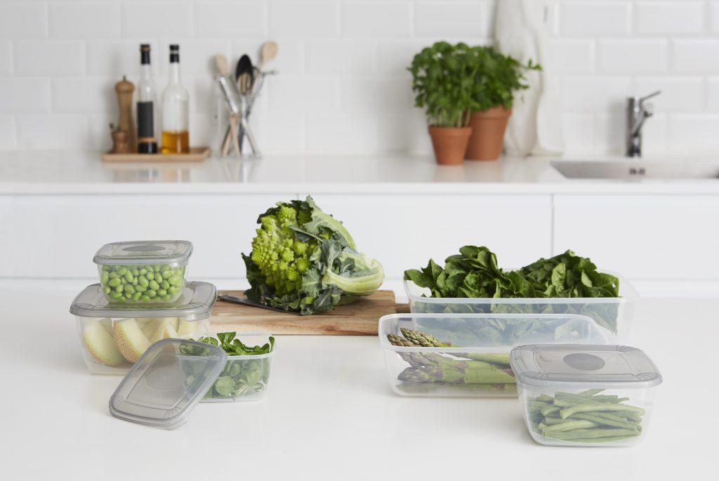 Polar Box is a series of food containers, prefect for freezer storage system. They are perfect for any kind of solid meals, including meals, vegetables, or even cakes. Containers stand on the tabletop in the kitchen.