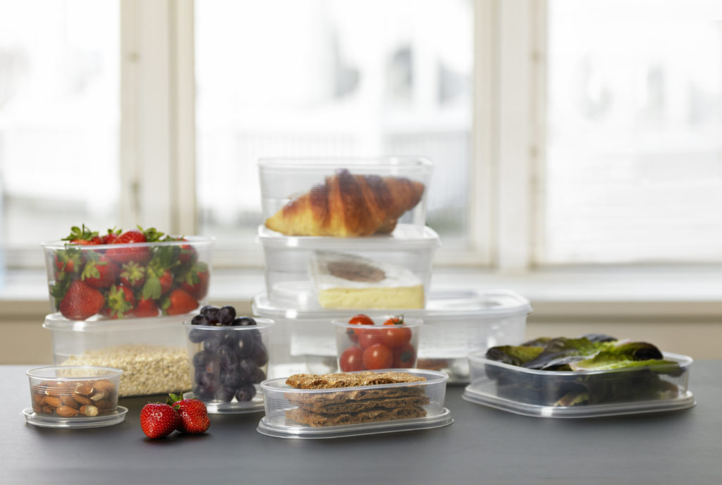 Helsinki is a food storage container series made of translucent material. It is suitable for freezer, fridge, and microwave.
